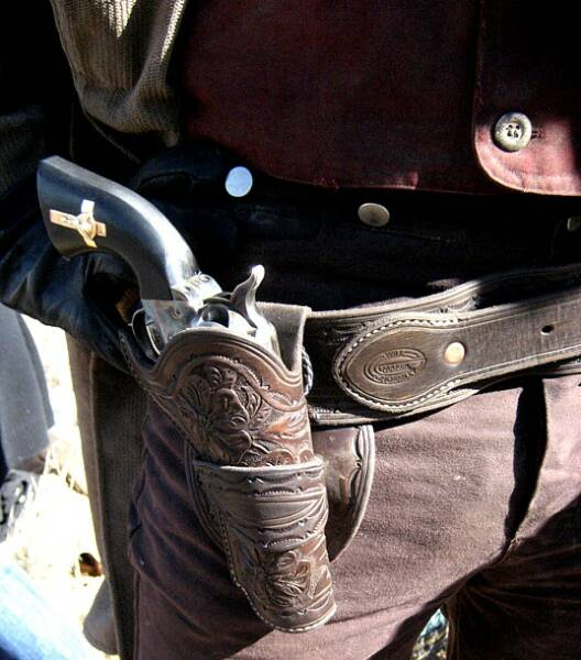 3:10 to Yuma, Russell Crowe holster rig, Hand of God, U S  Fire Arms